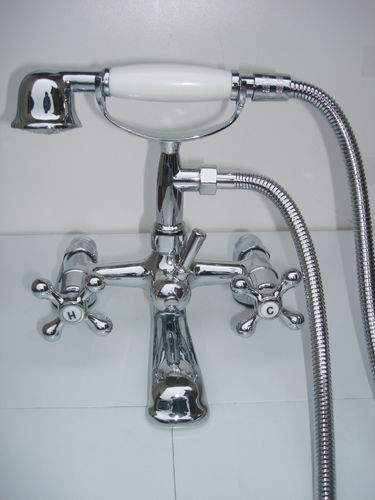 LOW PRESSURE DECK MOUNTED VICTORIAN STYLE BATH SHOWER MIXER TAPS WITH TELEPHONE HAND SHOWER SET