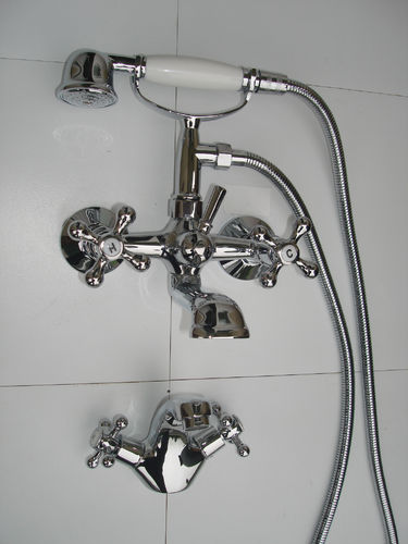 VICTORIAN WALL-MOUNTED BATH SHOWER & BASIN MONO MIXER TAPS