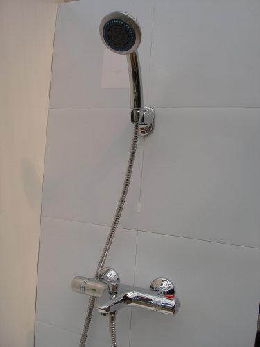 Wall mounted Thermostatic Bath/Shower Mixer, Multi-Spray Head & Hose.