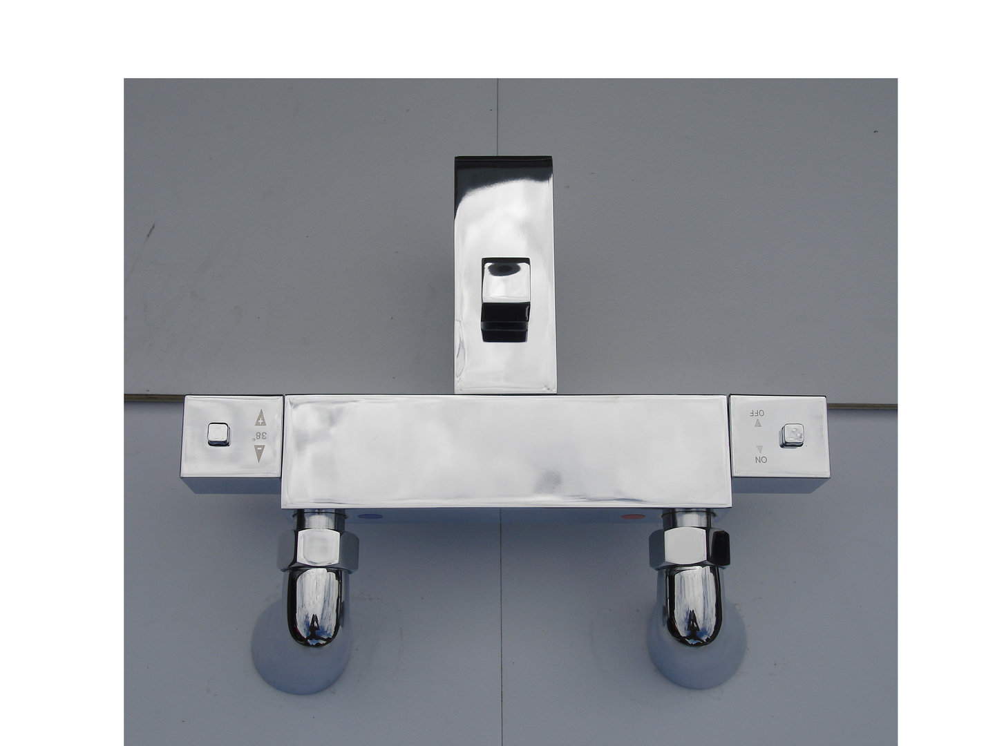 SQUARE STYLE DECK MOUNTED THERMOSTATIC BATH/SHOWER TAPS
