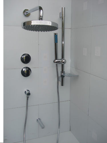 3 WAY THERMOSTATIC VALVE, BATH & DUAL ROUND STYLE SHOWER SET