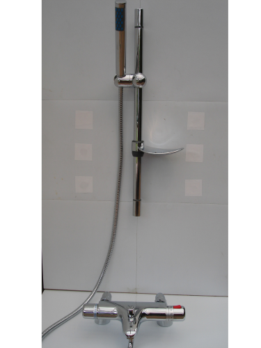 Deck mounted Thermostatic Bath/Shower Taps & Rail, Pencil Head & Hose