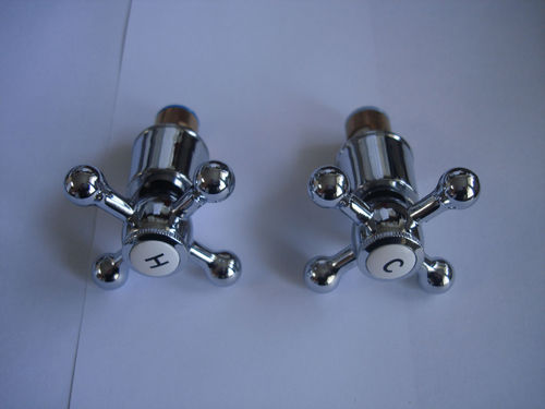TRADITIONAL H & C CROSS HANDLES & CERAMIC DISCS FOR VICTORIAN BATH SHOWER MIXER OR BASIN TAPS, 364